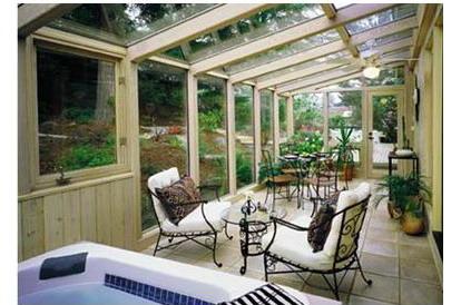 阳光房根据各种需要,提供钢化,夹胶,中空等各类特种玻璃屋面,造型新颖