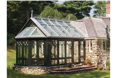阳光房根据各种需要,提供钢化,夹胶,中空等各类特种玻璃屋面,造型新